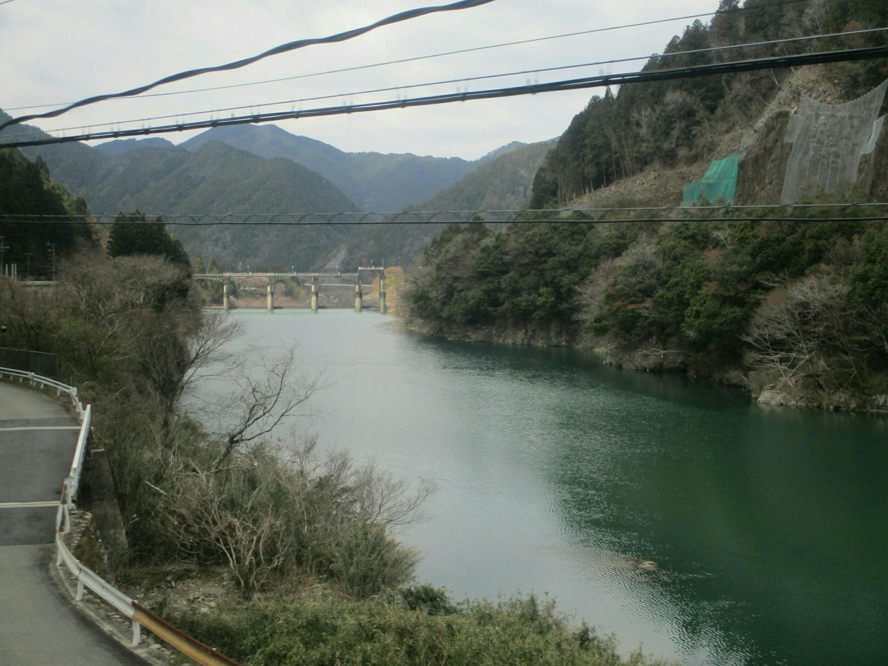 2019.4.4 (95) 美濃太田いきふつう - 下油井白川口間(ダム湖) 1800-1350