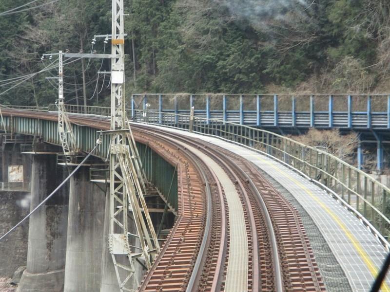 2019.4.4 (108) 美濃太田いきふつう - 下油井白川口間(鉄橋) 1600-1200