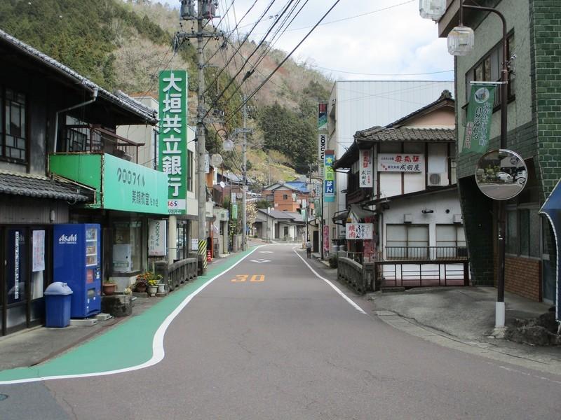 2019.4.4 (127) 白川町 - きたどおり(OK銀行) 2000-1500