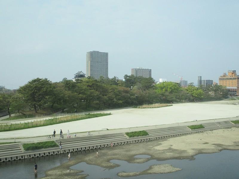 2019.4.21 (19) 東岡崎いきふつう - 菅生川をわたる 2000-1500