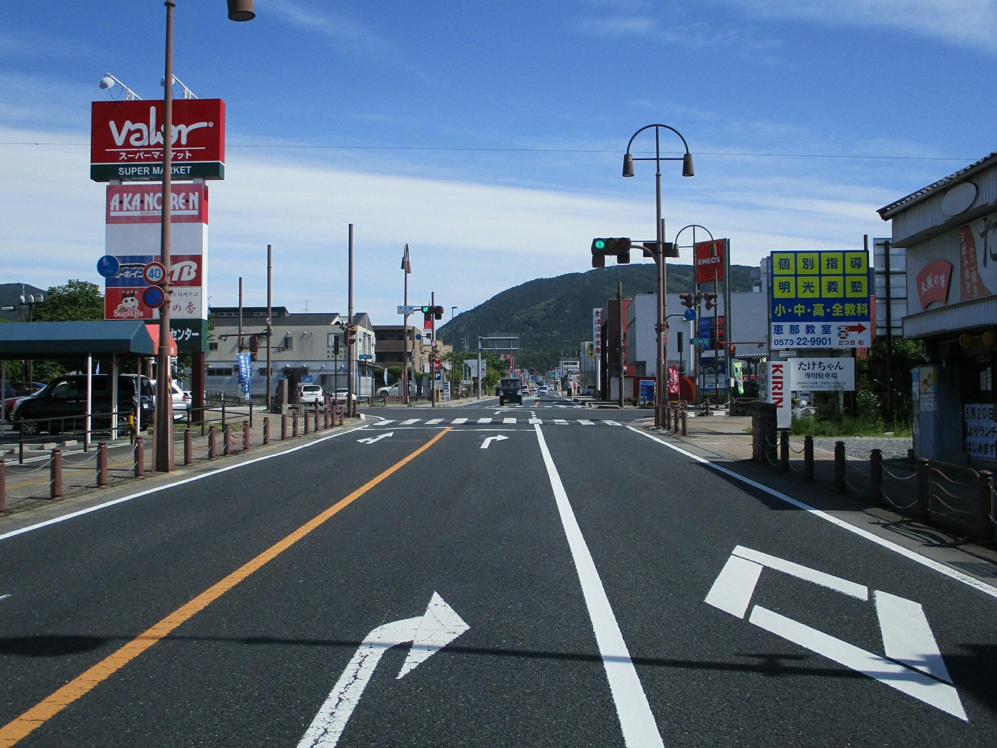 2019.5.22 (67) 恵那 - 中央どおり(大井町) 2000-1500