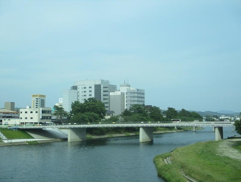 2019.6.6 (14) 東岡崎いきバス - 殿橋をわたる(桜城橋) 1590-1200