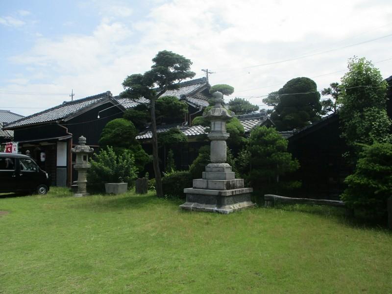 2019.6.24 (1012) 西町 - 薬証寺(みぎおく) 1600-1200