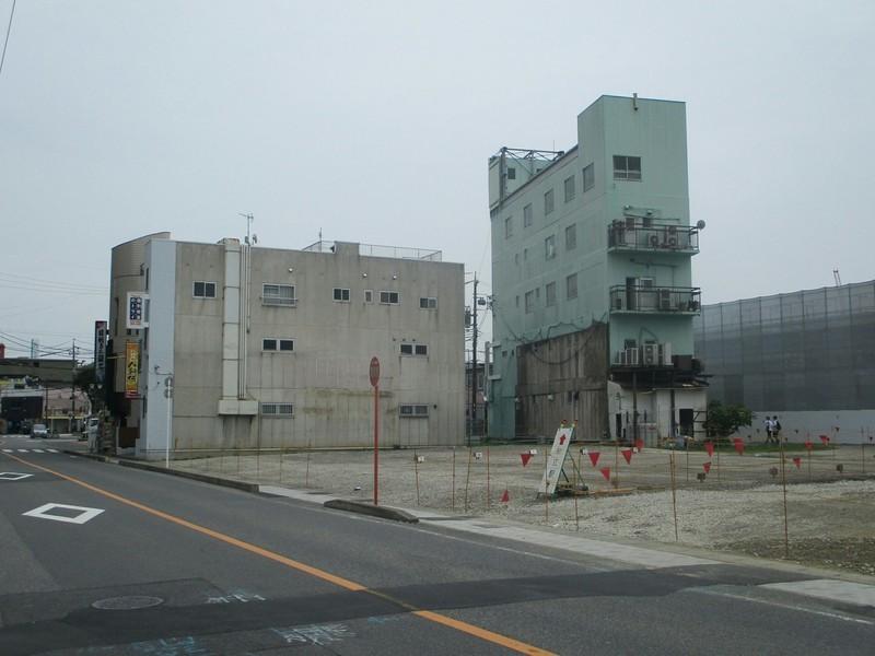 2019.7.2 (10) 知立 - ミスタードーナッツのビルとあすなろビル 2000-1500
