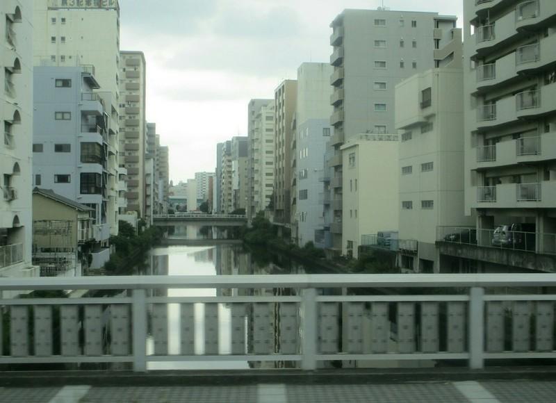 2019.7.9 (5) 名古屋駅いきバス - 記念橋をわたる 1600-1160