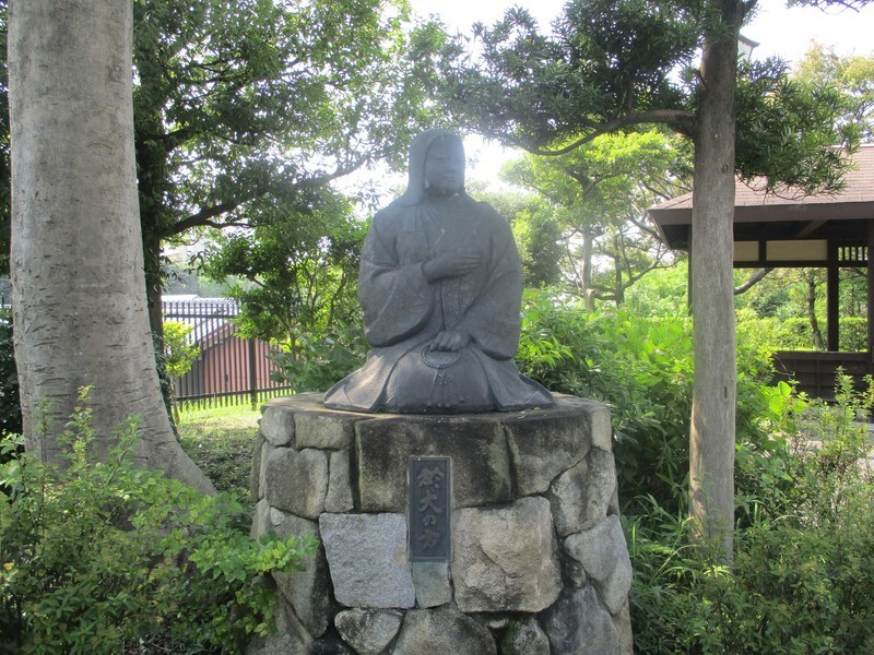 2019.7.29 (4) 椎の木屋敷あと - 於大の銅像 2000-1500