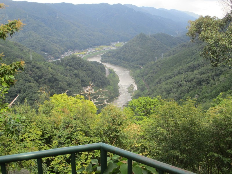 2019.9.4 (103) 笠置寺 - ゆるぎいしから木津川をみおろす 2000-1500