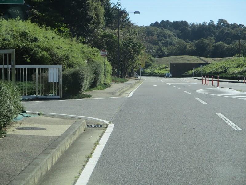 2019.10.9 (13) 中央総合公園いきバス - 美術博物館バス停 1600-1200