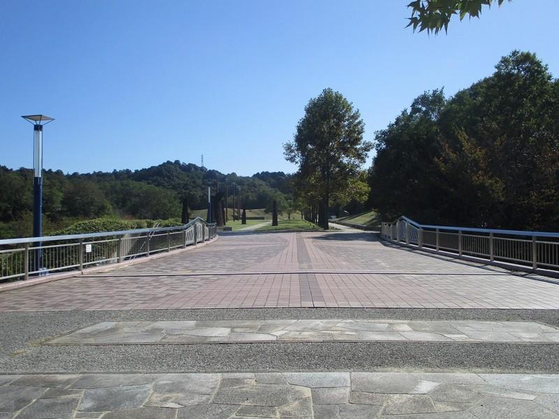 2019.10.9 (17) 中央総合公園 - ふれあい橋 2000-1500