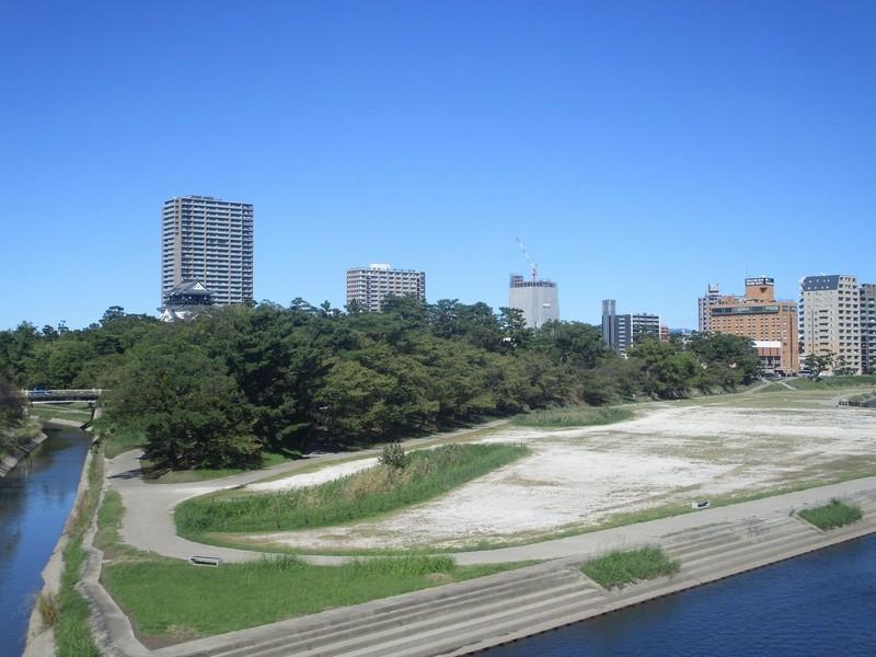 2019.10.13 (17) 東岡崎いきふつう - 菅生川と岡崎城 1800-1350
