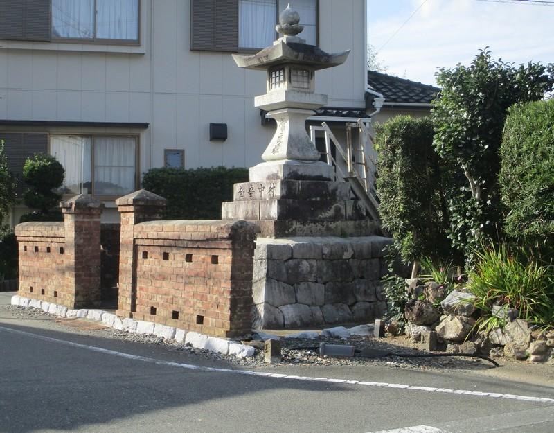 2019.10.28 (53) 嵩山 - 姫街道にしえ(常夜灯) 1870-1460
