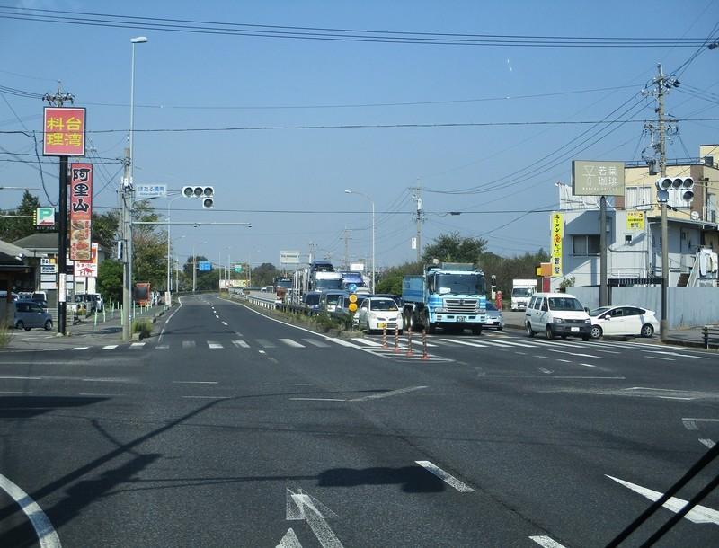 2019.10.30 (4) 東岡崎いきバス - ほたる橋南交差点を直進 1770-1350