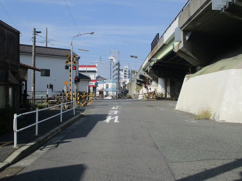 2019.10.31 (12) 東海道 - 東海道線ふみきり 1800-1350