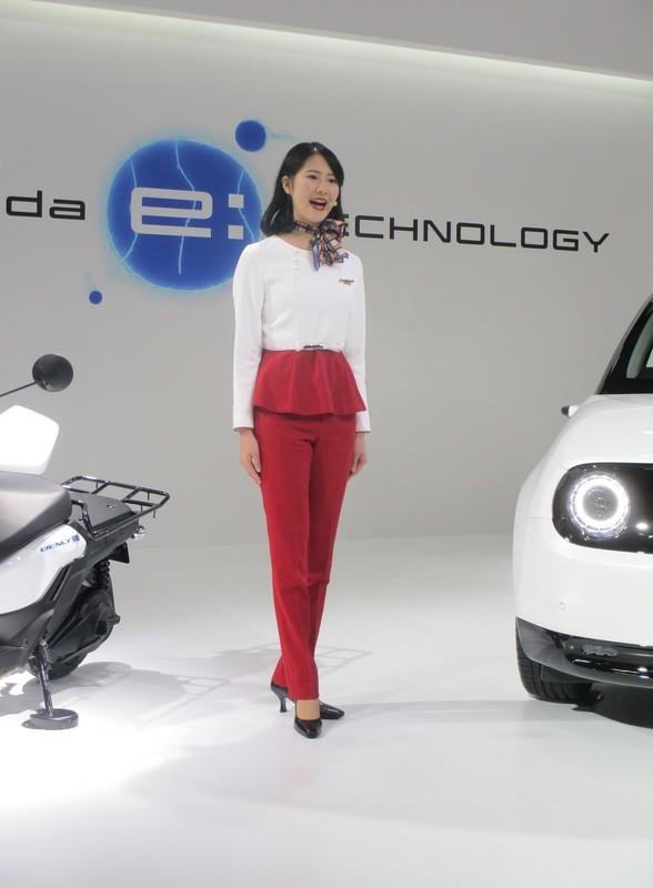 2019.11.21 (69) 名古屋モーターショー - ホンダ電気自動車[20] 1470-2000