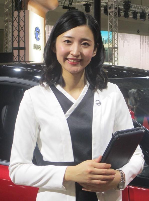 2019.11.21 (73-1) 名古屋モーターショー - 日産リーフ電気自動車[22] 950-1280