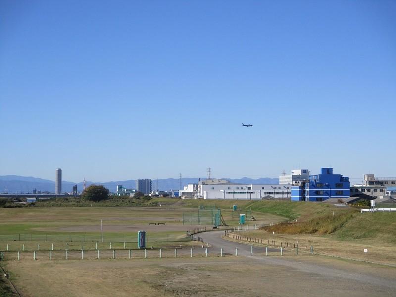 2019.11.29 (28) 松川橋 - にしに飛行機 2000-1500