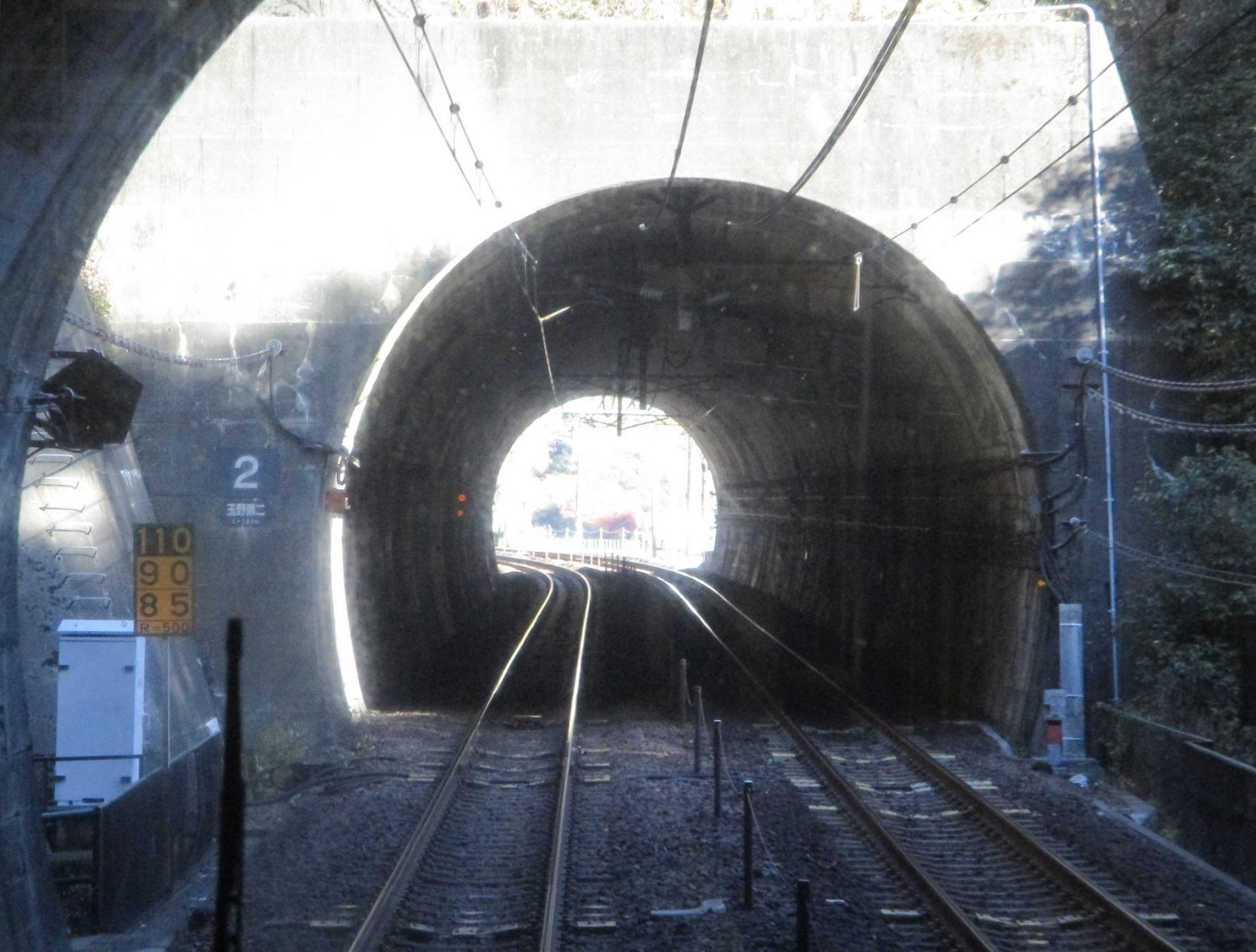 2019.12.1 (27) 高蔵寺定光寺間(トンネル) 1780-1350