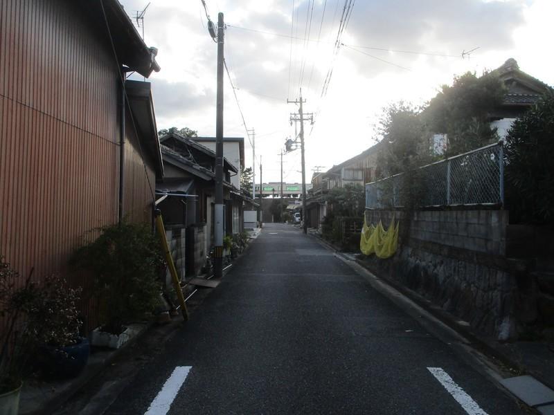 2019.12.3 (44) 岡崎城下27まがり - 左右逆転のいしぶみからみなみをみる 1600-1200