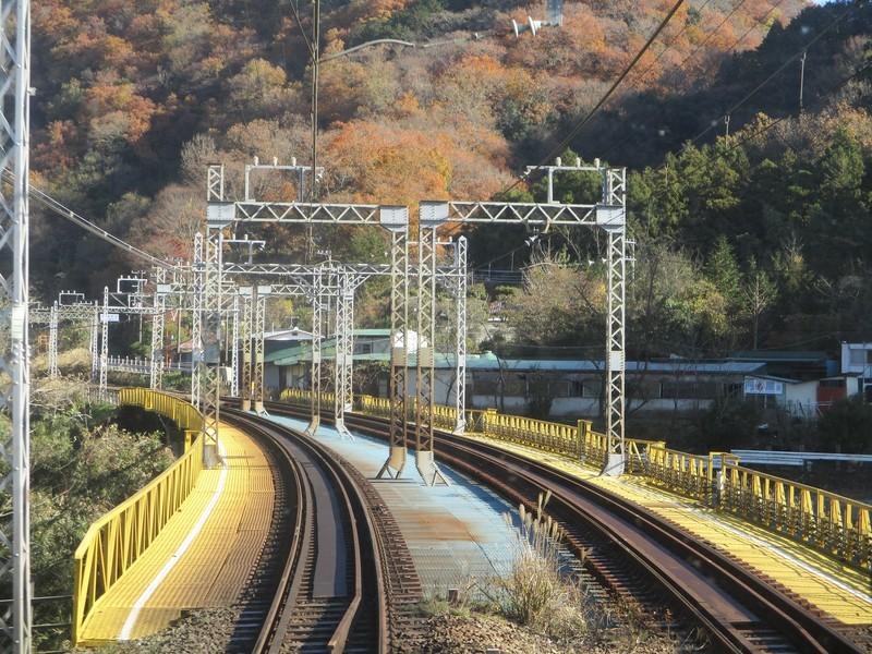 2019.12.16 (34) 新宿いき急行 - 新松田渋沢間 1800-1350
