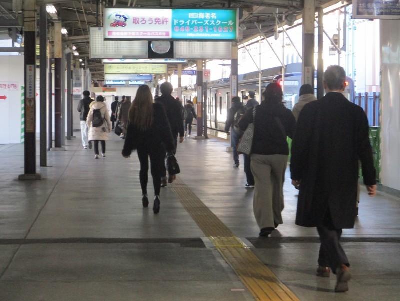 2019.12.16 (68) 海老名(相鉄) - ホーム 1990-1500