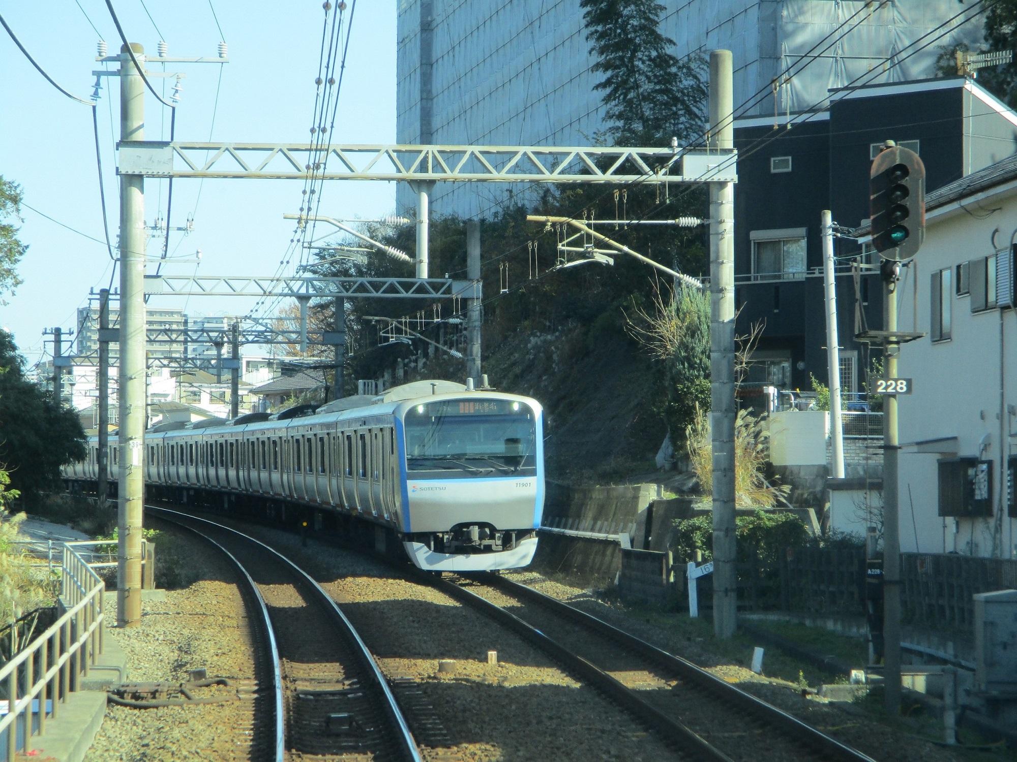 2019.12.16 (76) 新宿いき各停 - 海老名かしわ台間 2000-1500