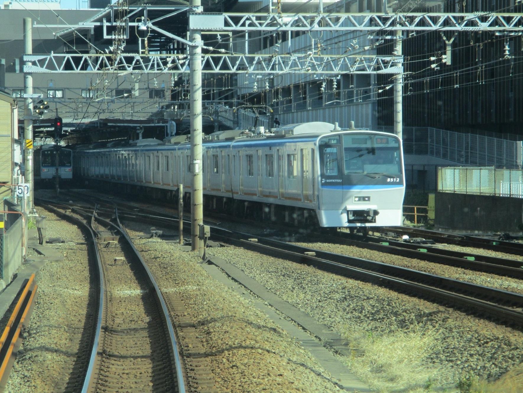 2019.12.16 (92) 新宿いき各停 - 二俣川 1770-1330
