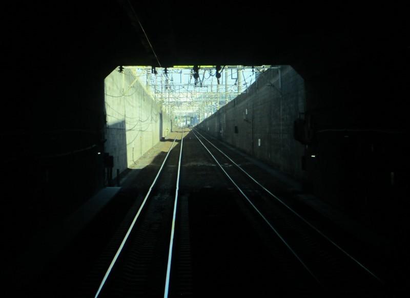 2019.12.16 (111) 新宿いき各停 - 東海道貨物線トンネルでぐち 1650-1200