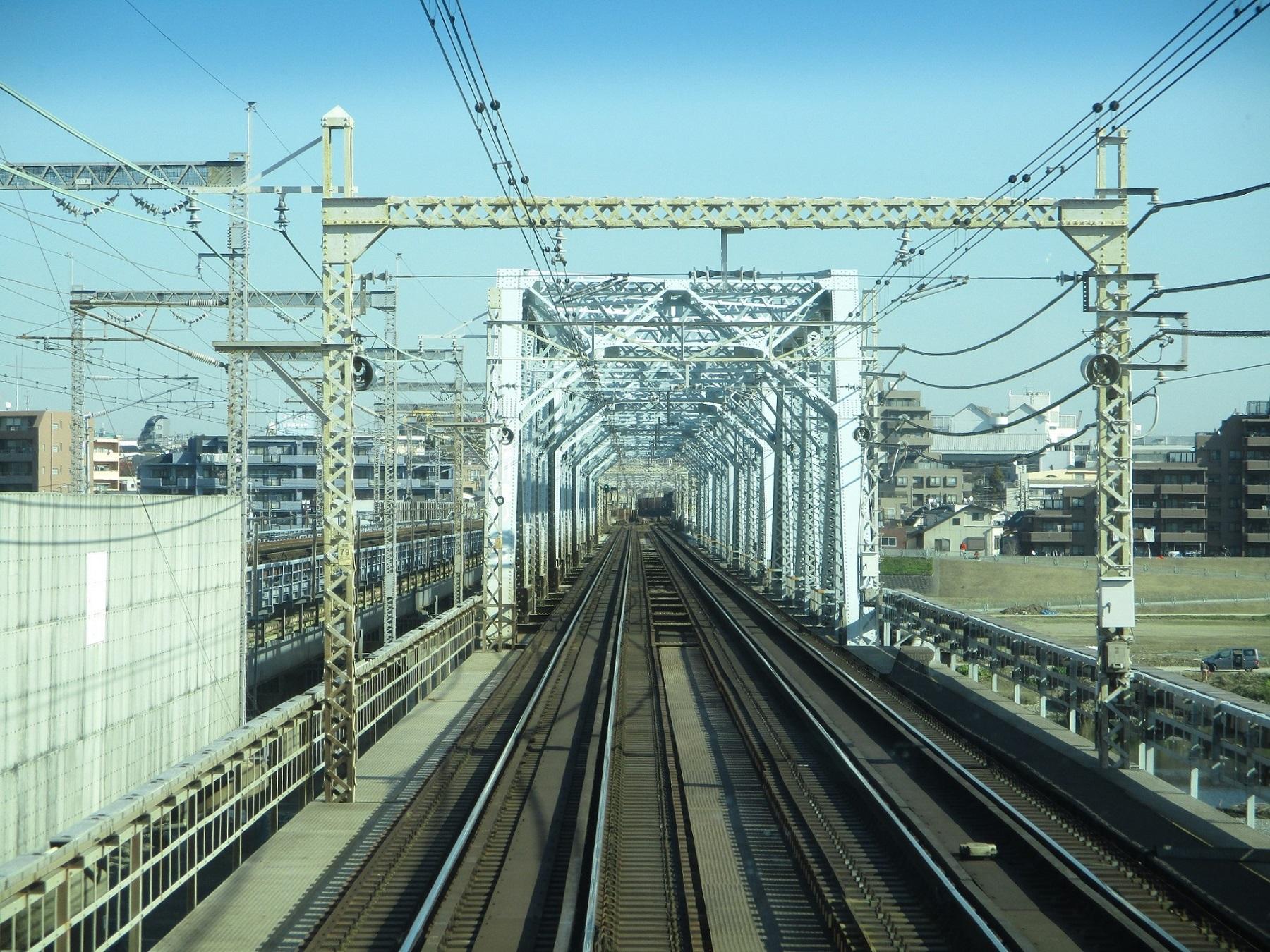 2019.12.16 (126) 新宿いき各停 - 多摩川鉄橋 1800-1350