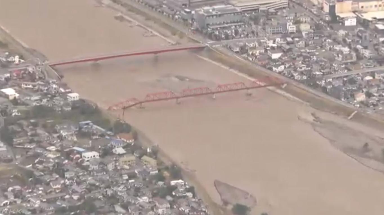 2019.10.13 NHKニュース - 千曲川鉄橋崩落 (1) 1365-765