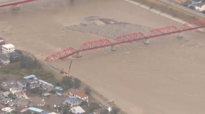 2019.10.13 NHKニュース - 千曲川鉄橋崩落 (2) 1365-765