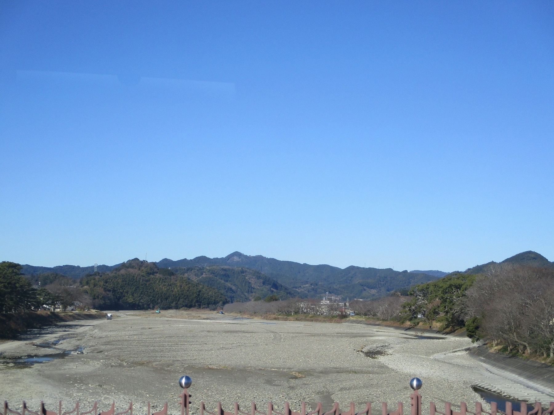 2020.1.21 (63) 新静岡バスターミナルいきバス - 瀬戸川をわたる 1800-1350