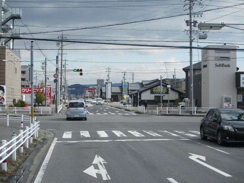 2020.2.26 (40) JR岡崎駅西口いきバス - 牧御堂町郷中交差点を直進 1800-1350