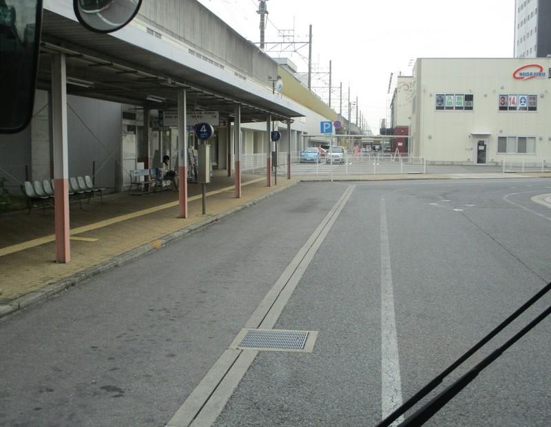 2020.3.13 (71) 西尾市民病院いきバス - 西尾3番のりば(バス) 1550-1200