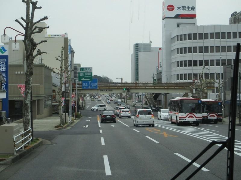 2020.3.22 (29) 東岡崎方面いきバス - 康生北交差点すぎ 1800-1350