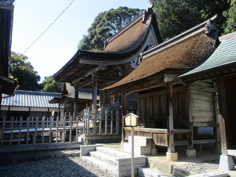 2020.3.24 (9) 幡頭神社 - 本殿(みぎから) 2000-1500