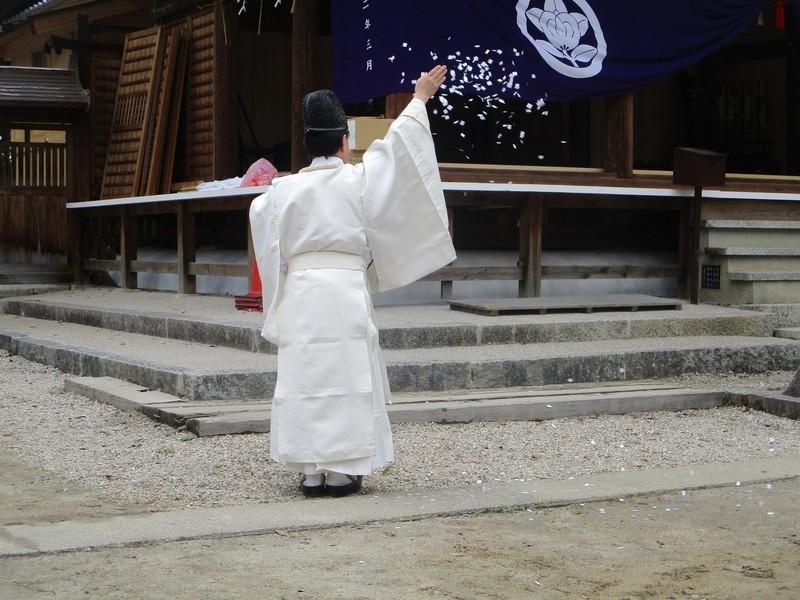 2020.3.28 (14) 古井神社きよはらい - はなふぶき 2000-1500