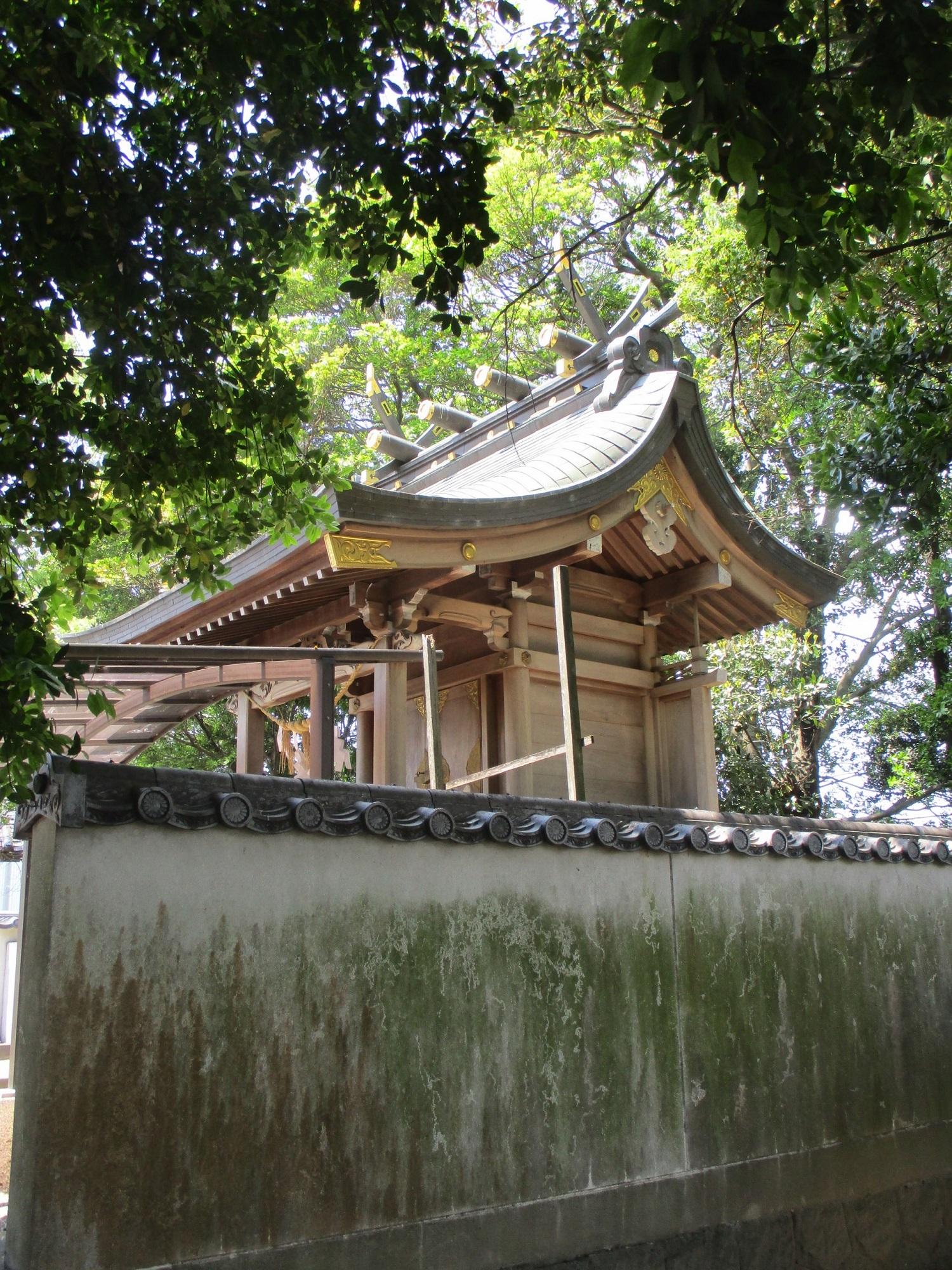 2020.5.13 (9) 酒人神社 - 本殿(みぎ45度から) 1500-2000