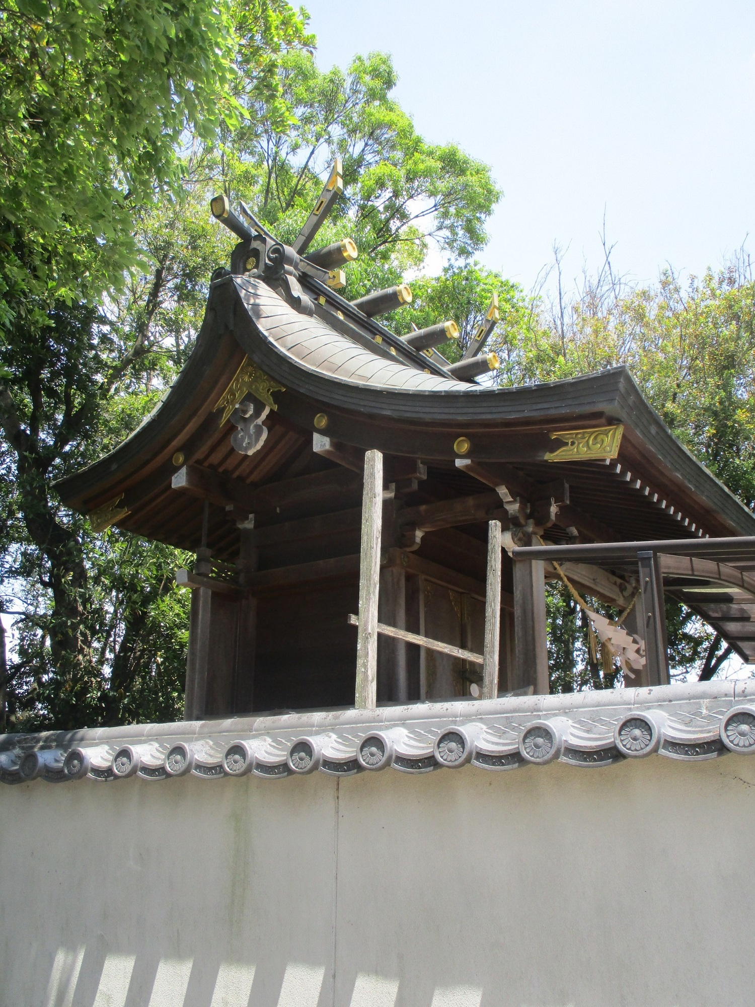 2020.5.13 (10) 酒人神社 - 本殿(ひだり45度から) 1500-2000