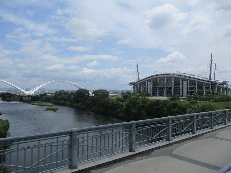 2020.5.27 (13) 古瀬間町いきバス - 久澄橋をわたる 1600-1200
