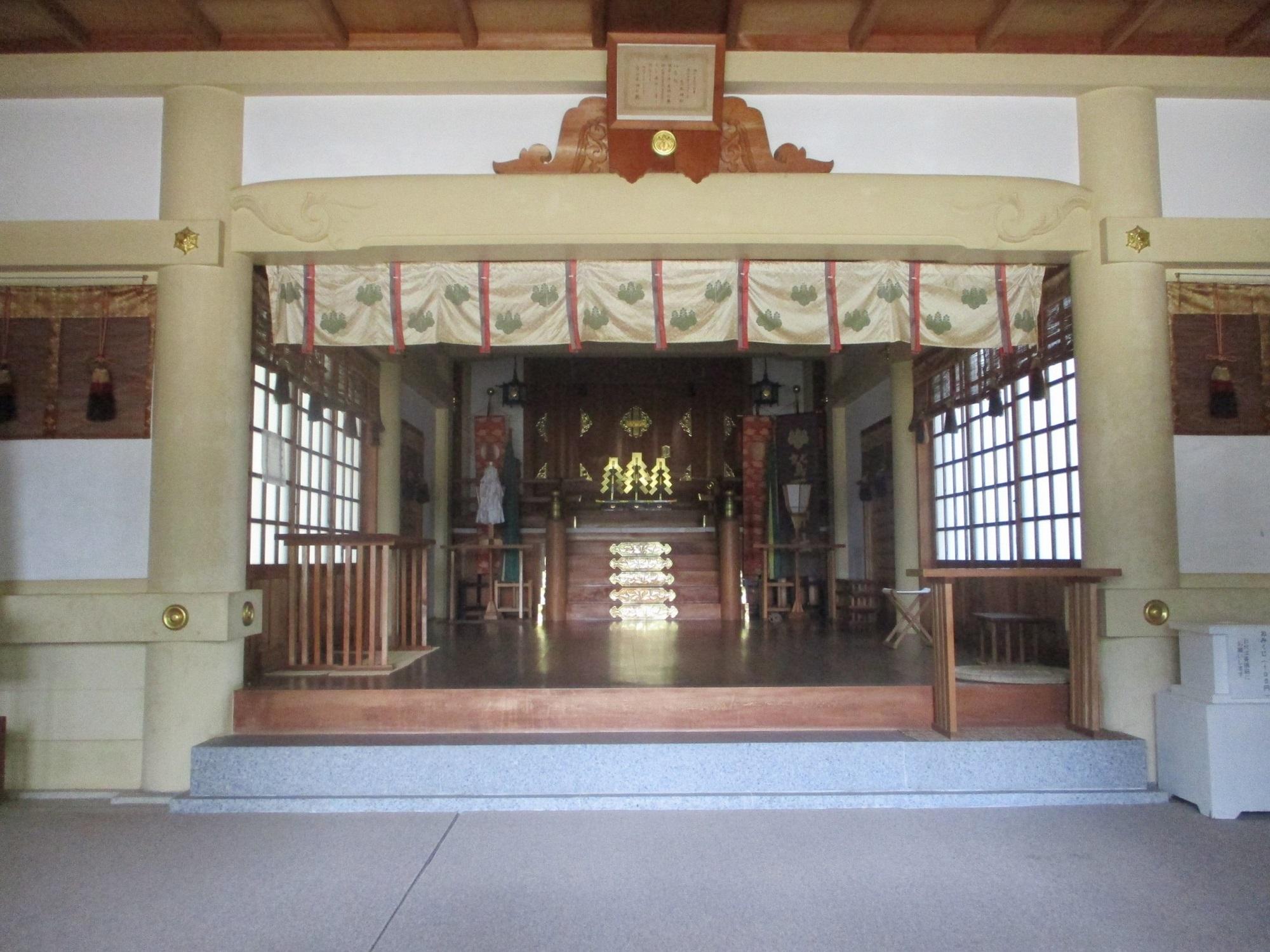 2020.5.27 (22) 鷲取神社 - 拝殿 2000-1500