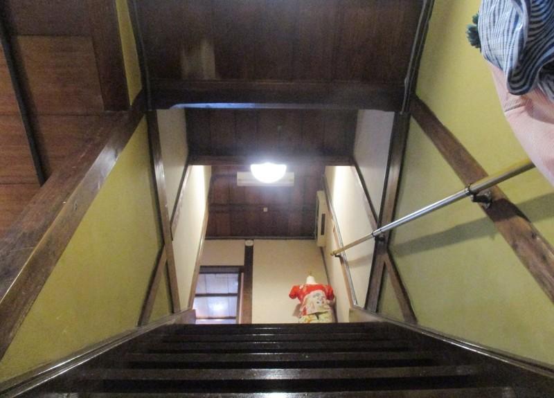 2020.6.18 (92) カフェウチダ - 階段 1600-1200