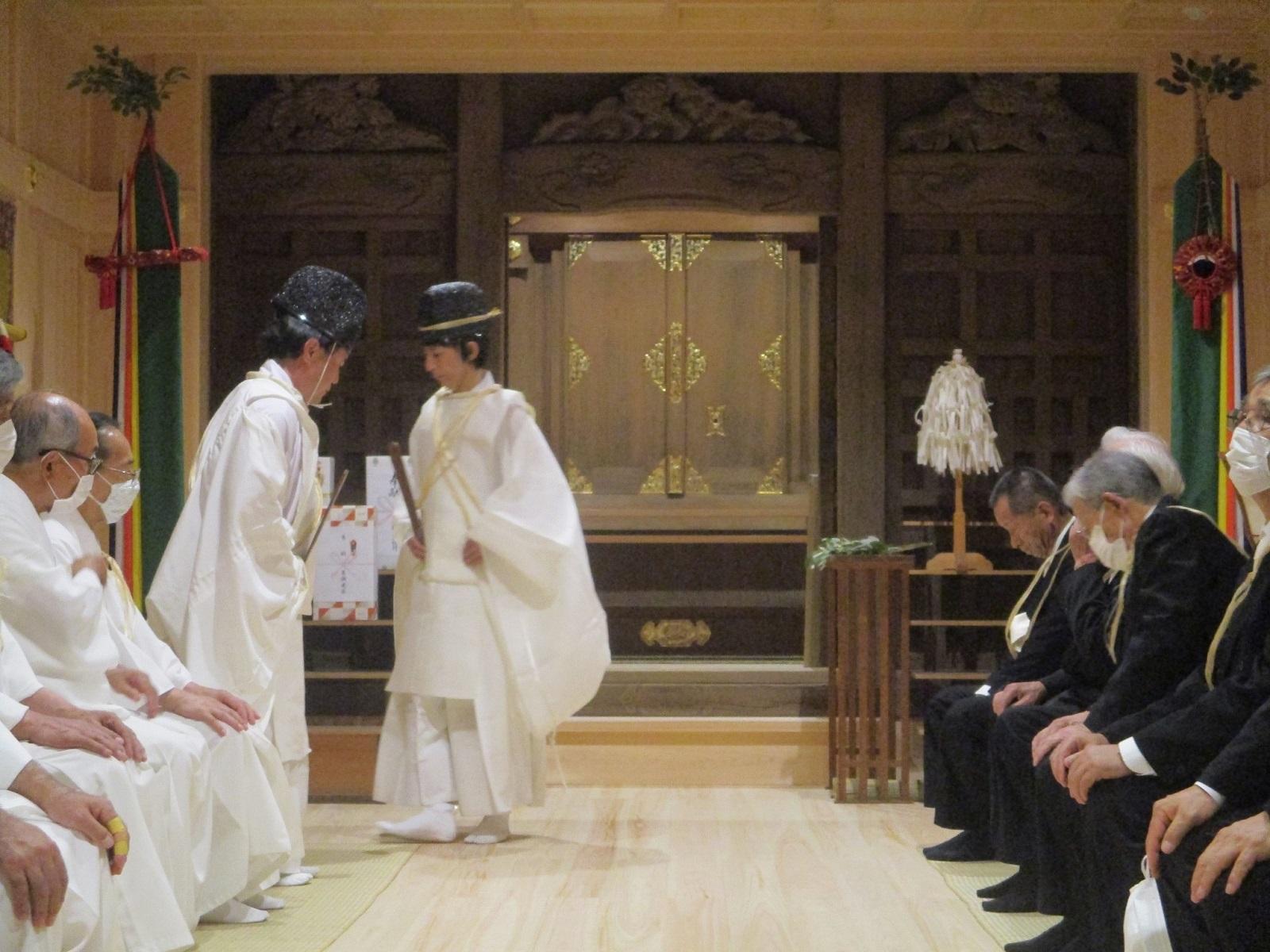 2020.6.27 (90) 本社殿内 - かり遷座祭終了 1600-1200
