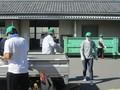 2020.8.1 古井町内会廃品回収 (6) つみおろし 1200-900