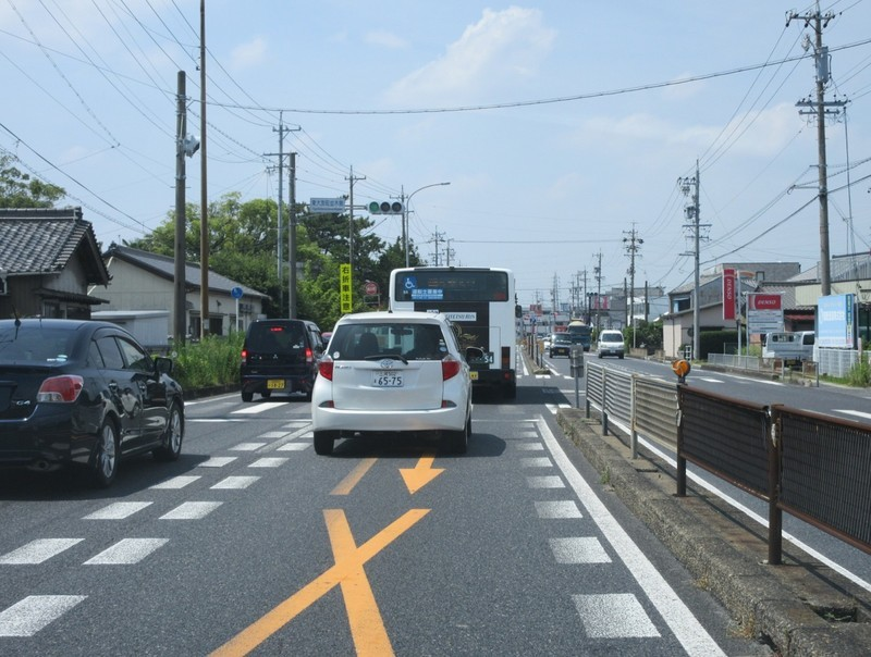 2020.8.6 (3) 国道1号線 - 東大友町並木側交差点 1590-1200