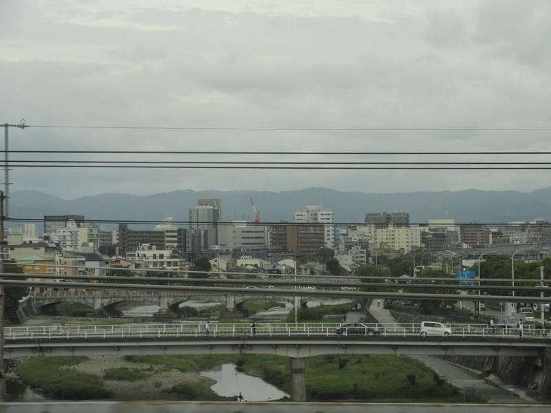 2020.10.6 (15) 博多いきのぞみ3号 - 鴨川をわたる 1400-1050