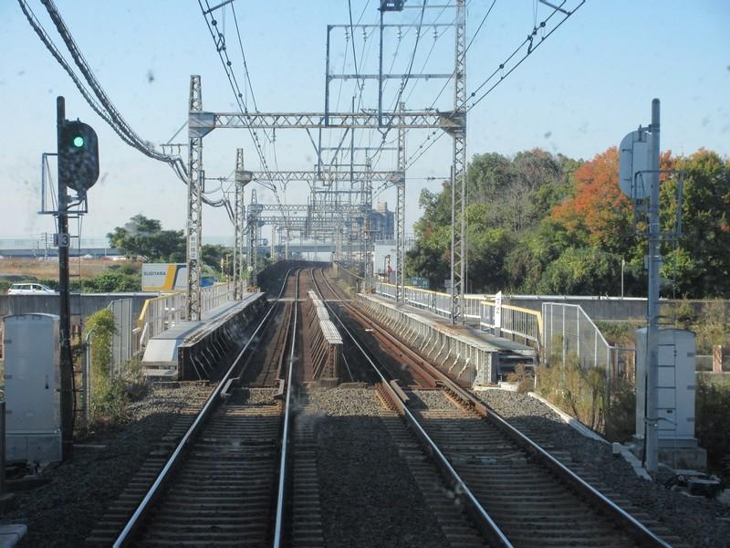 2020.11.13 (22) 松阪いき急行 - 新川をわたる 1600-1200