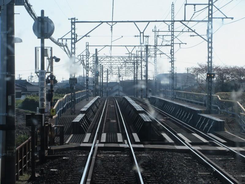 2020.11.13 (75) 松阪いき急行 - 鈴鹿川派川をわたる 1600-1200