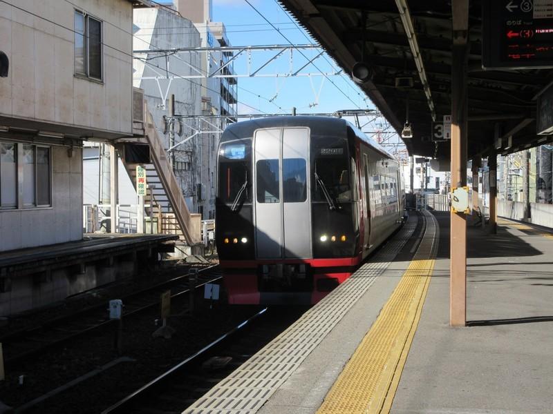 2020.12.17 (10) 東岡崎 - 豊橋いき快速特急 2000-1500