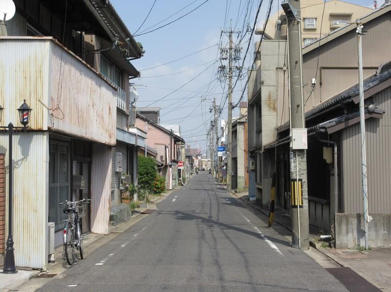 2021.4.1 (15) 刈谷 - 銀座どおり - 新栄町北交差点から刈谷駅方向をのぞむ 1580-1180