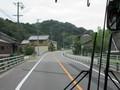 2021.7.27 (134) 東岡崎いきバス - 弥勒橋をわたる 1600-1200